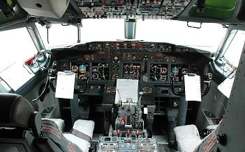 Avionics-Cockpit 2